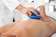 Kinesisk kupa massage Arkivfoton