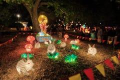 Kinesisk lyktaskärm Månegudinnan Chang 'e och kaniner royaltyfri foto