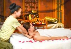 Kinesisk massage royaltyfria bilder