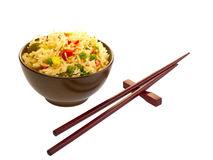 Kinesisk mat och pinnar. Arkivbild