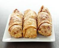 Kinesisk mat - vårrullar Royaltyfri Foto