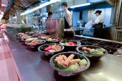 Kinesisk matmarknad i Shanghai Kina Fotografering för Bildbyråer