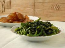 Kinesisk matställe stekt choy summa och ljust rödbrun stång Arkivfoton