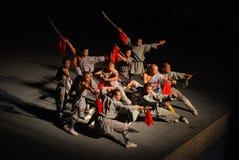Kinesisk munkshow Kongfu på Shaolin Royaltyfri Fotografi