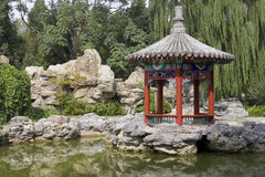 kinesisk parkpaviljong Arkivfoton