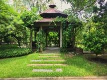 Kinesisk paviljong i parkn Bangkok Royaltyfria Bilder