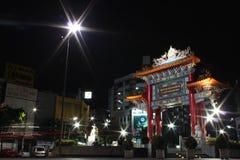 Kinesisk port i den Bangkok kineskvarteret Royaltyfri Foto