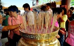 kinesisk rökelse singapore klibbar tempelet Fotografering för Bildbyråer
