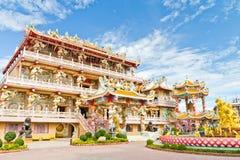Kinesisk relikskrin, ett härligt kinesiskt tempel. Fotografering för Bildbyråer