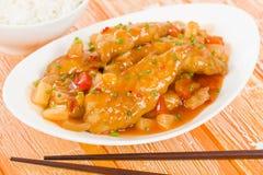 Kinesisk sötsak & sur höna Arkivbild