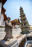 Kinesisk staty i thailändsk tempel Arkivfoto