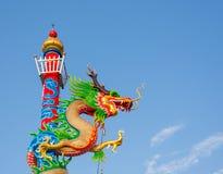 Kinesisk stil för drakestaty royaltyfria bilder