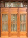 Kinesisk stil för Wood dörr Arkivfoton
