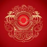 Kinesisk tappning Dragon Elements på klassisk röd bakgrund Royaltyfri Foto