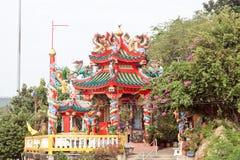 Kinesisk tempel (Koh Loi, Sri Racha, Thailand) Arkivbild