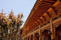 Kinesisk träskulpturbyggnad Fotografering för Bildbyråer