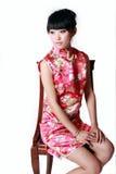 kinesisk traditionell klänningflicka Arkivbild