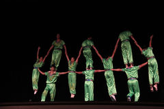 kinesiska akrobater royaltyfri fotografi