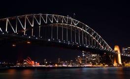 Kinesiska berömmar för nytt år vände Sydney Opera House röd Arkivfoton