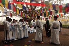 Kinesiska buddistböner på den Mayadevi templet royaltyfria bilder
