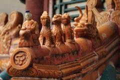 Kinesiska drakar på ett tak Royaltyfri Fotografi