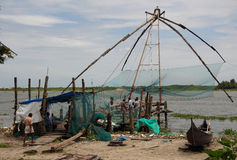 Kinesiska fisknät i Cochin (Kochin) av Indien Royaltyfri Fotografi