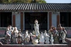 kinesiska gudstatyer royaltyfria bilder