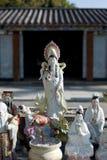 kinesiska gudstatyer arkivfoton