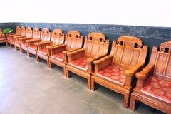 Kinesiska klassiska trästolar Royaltyfri Foto