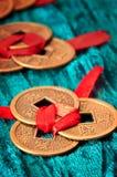 Kinesiska lyckliga mynt Arkivfoto