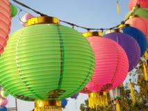 Kinesiska lyktor under royaltyfria bilder