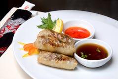 kinesiska meatrullar Arkivbild