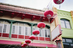 Kinesiska nya år lyktor på dagen Arkivfoto
