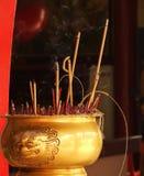 kinesiska rökelsemalaysia sticks Arkivfoton