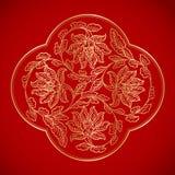 Kinesiska tappningblommabeståndsdelar på klassisk röd bakgrund Arkivfoton