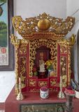 Kinesiskt altare, Cantonese aula i Hoi An royaltyfri fotografi