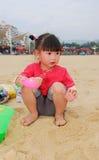 kinesiskt leka för strandbarn Royaltyfri Bild