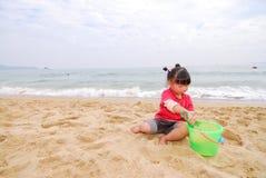 kinesiskt leka för strandbarn Fotografering för Bildbyråer