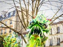 Kinesiskt nytt år Paris 2019 Frankrike - drakedans fotografering för bildbyråer