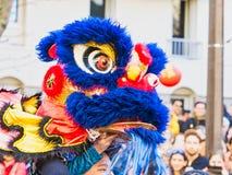 Kinesiskt nytt år Paris 2019 Frankrike - lejondans royaltyfria foton