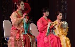 Kinesiskt traditionellt spela för instrument Arkivbild