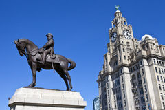 King Edward VII Monument and Royal Liver Building in Liverpool Stock Photos