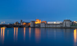 King John castle. In Limerick at night - Ireland Stock Photos