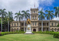 King Kamehameha I Statue, Ali iolani Hale. HONOLULU, HI - AUG 6: King Kamehameha I Statue, by Thomas Gould, on August 6, 2016 in Honolulu, Hawaii. It is in front Royalty Free Stock Photos