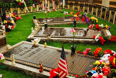 The King at Rest. The Graves of Elvis Presely and Family at Graceland, Memphis, Tennessee stock images