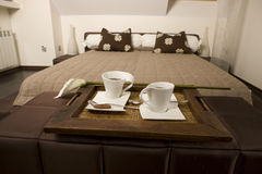 Free King Size Bed Royalty Free Stock Images - 5367079