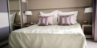 King size bed accomodation Stock Images