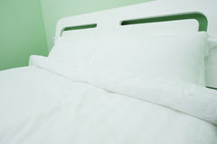 King sized bed Royalty Free Stock Photography