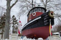 Kingston II tugboat - Tajemniczy port morski, Connecticut, usa zdjęcia royalty free