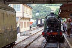 KINGSWEAR, DEVON/UK - LIPIEC 28: 4277 BR Parowa lokomotywa GWR 420 Obraz Stock